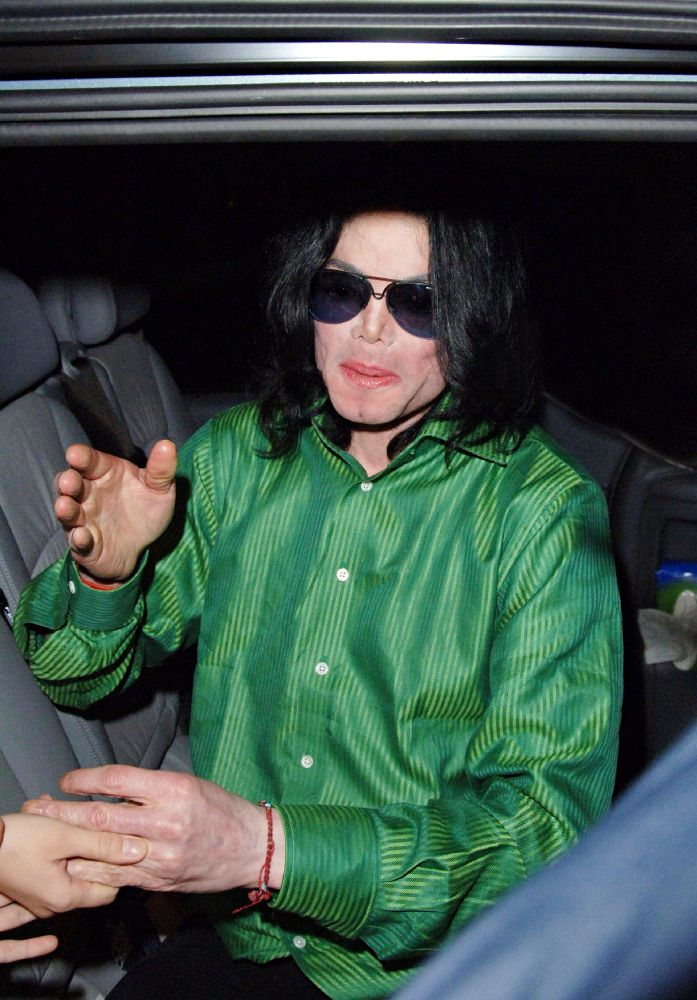 COURT CLEAR MICHAEL JACKSON'S HOLOGRAM PERFORMANCE AT BILLBOARD